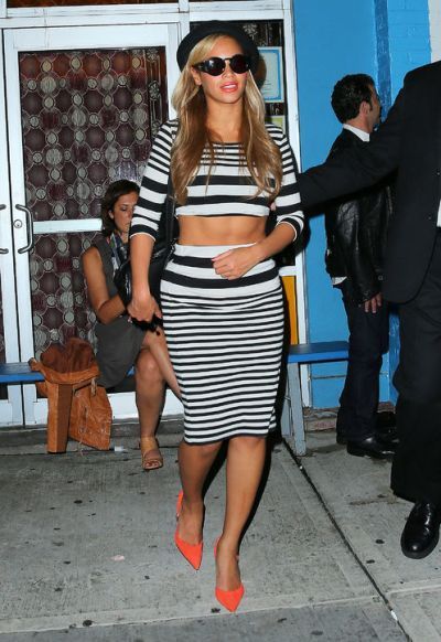 beyonce-striped-crop-top-skirt-topshop-h724